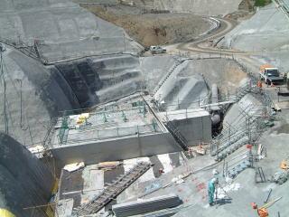 高尾山トンネル防護工左側